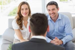 couple-meeting-with-advisor
