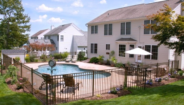 Landlords Must Follow Maryland Pool Fence Laws 700x400