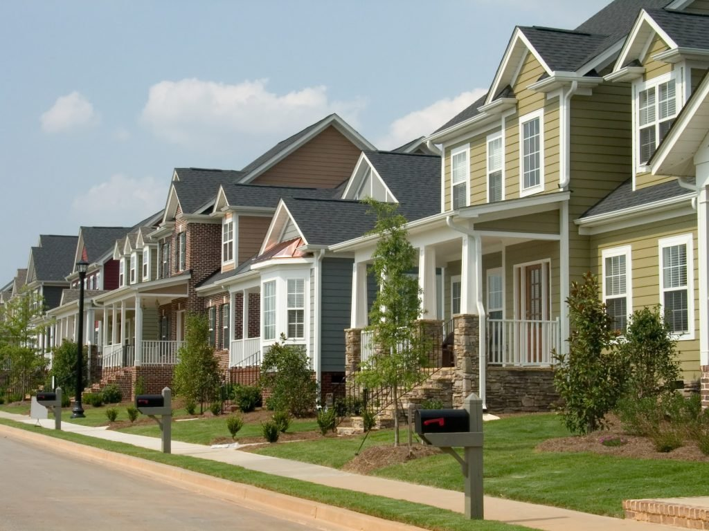 What To Do if You Own Property in an HOA (homeowners association) That Is Tough To Deal With