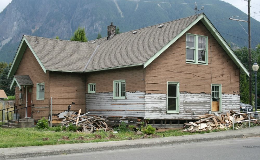 Avoid a Fixer Upper House as a Prospective Rental Property Owner