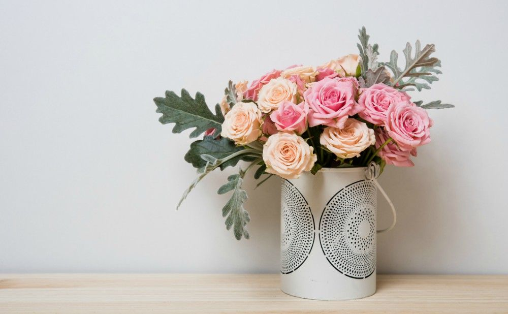 Long Distance Gifts Such as Flowers are Great For Philly Tenant Welcome Package