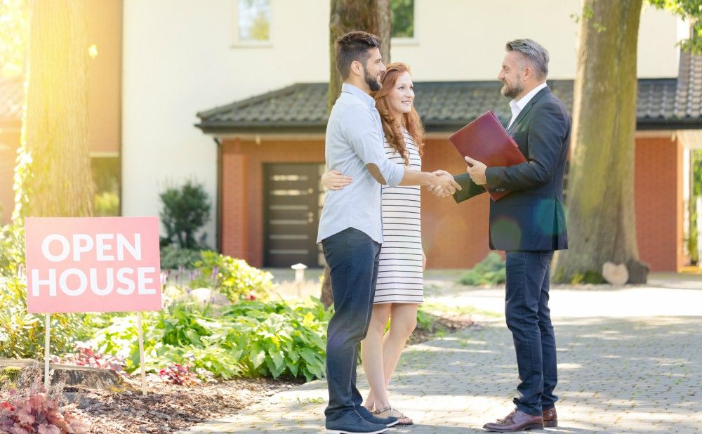 Choose a Reliable Real Estate Agent For Your First Investment Property