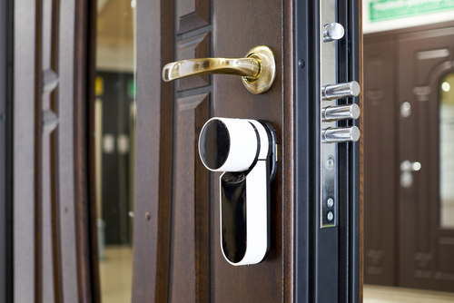 Drawbacks and Benefits of Keyless Entry for Rental Properties